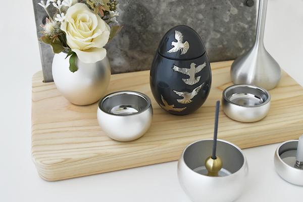 アートなデザインのミニ骨壷「グランブルーシリーズ」