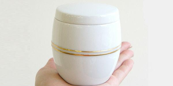 ミニ骨壷(コアボトル) | 有田焼の骨壷・白金彩