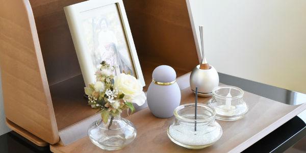 祈りの場に揃えておきたい仏具と仏壇用品