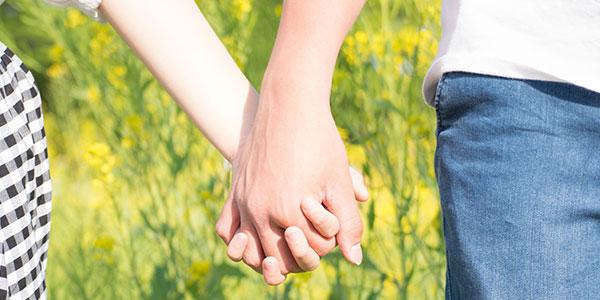夫婦と遺族の想いに寄り添う「夫婦墓」とは?