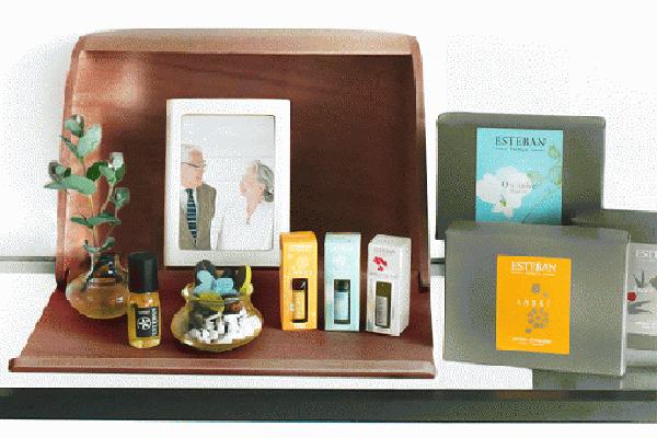 火を使わない仏壇 やさしい時間 祈りの手箱(ブラウン)ESTEBANエステバンセット