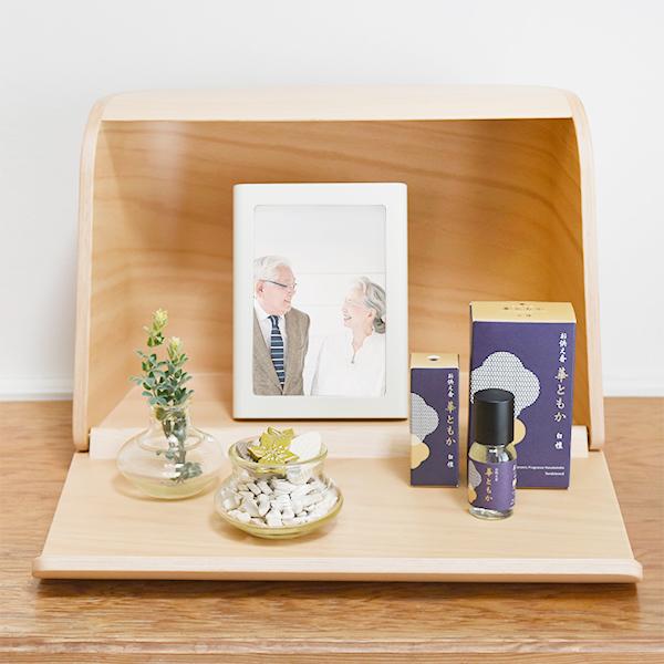 ミニ仏壇セット|火を使わないお仏壇 祈りの手箱 華ともかセット