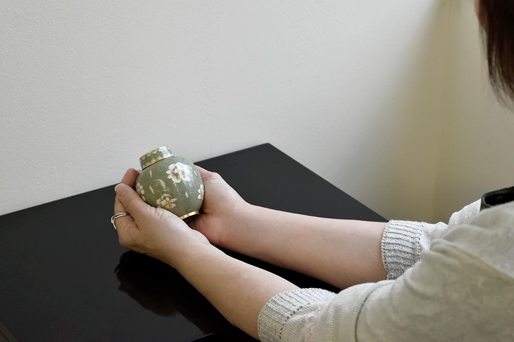 ミニ骨壷|七宝・梨花(七宝焼き)